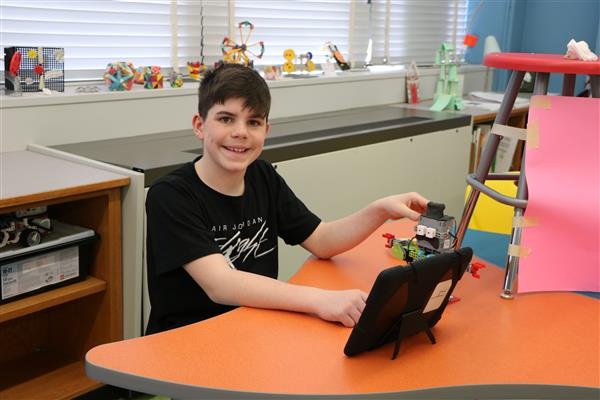 North Merrick WINGS Students Build Robots